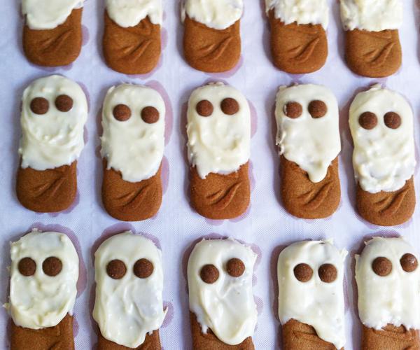 Makkelijke spookkoekjes voor halloween for Halloween versiering maken