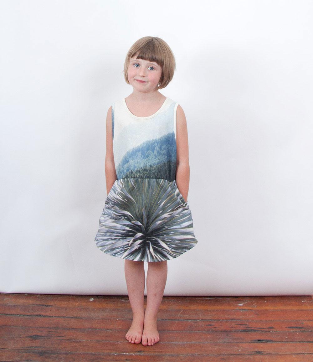popupshop-ss15-meisje-berg-jurk