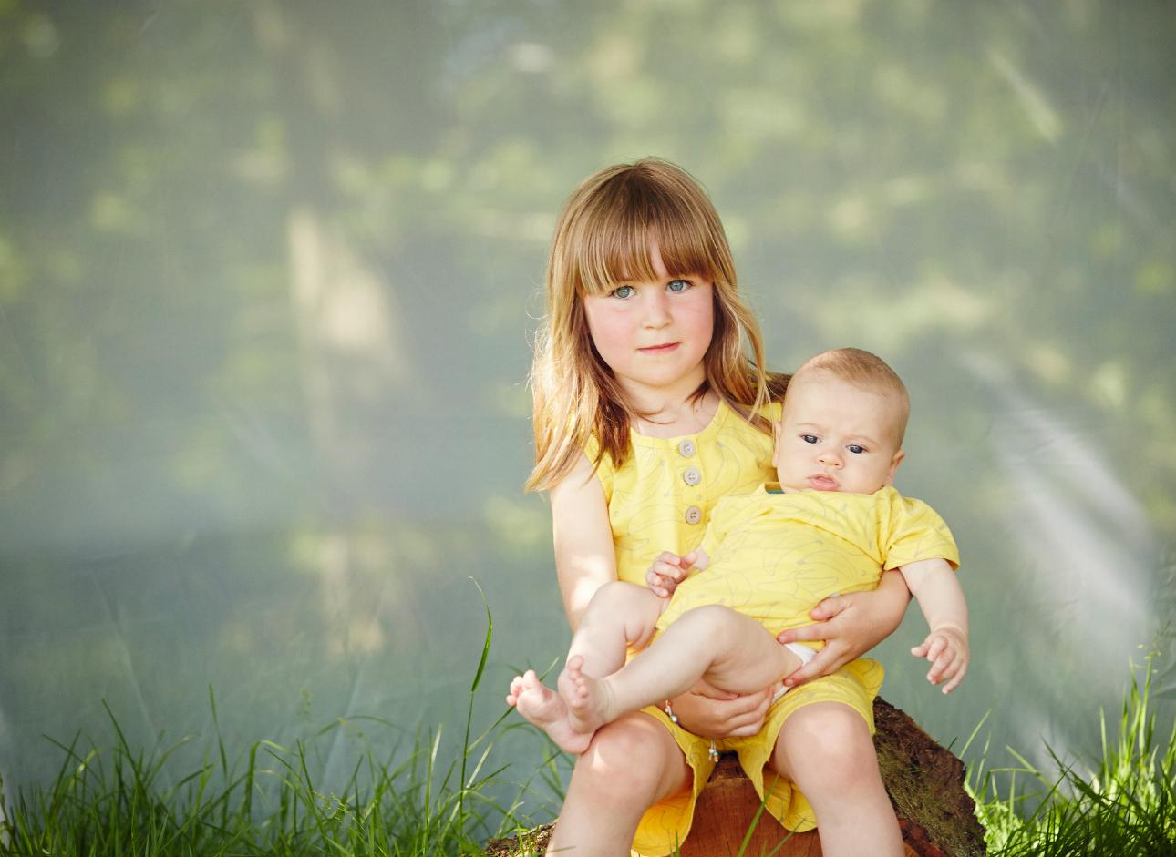 indikidual ss15 grote zus baby geel