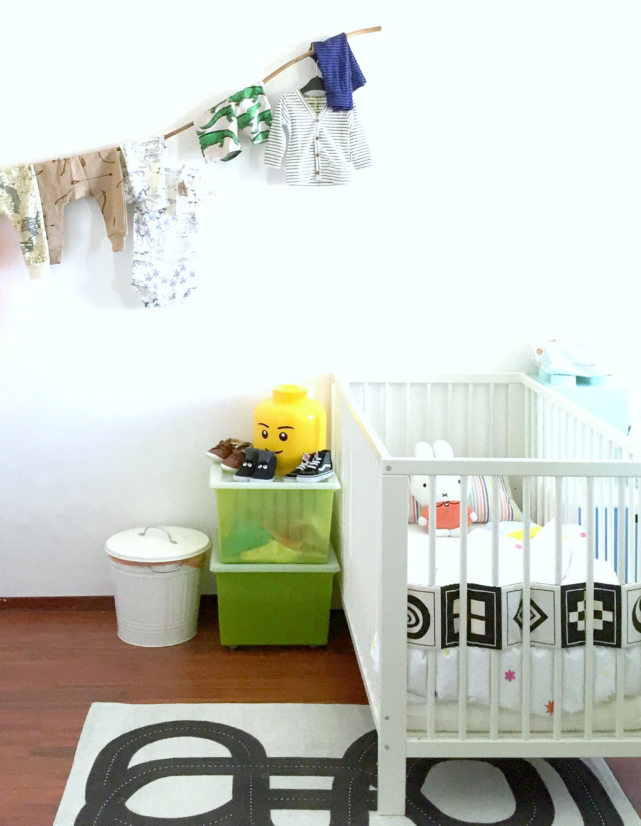 Kinderkamer ideeen: zwart wit vloerkleed   mamalifestyle.nl