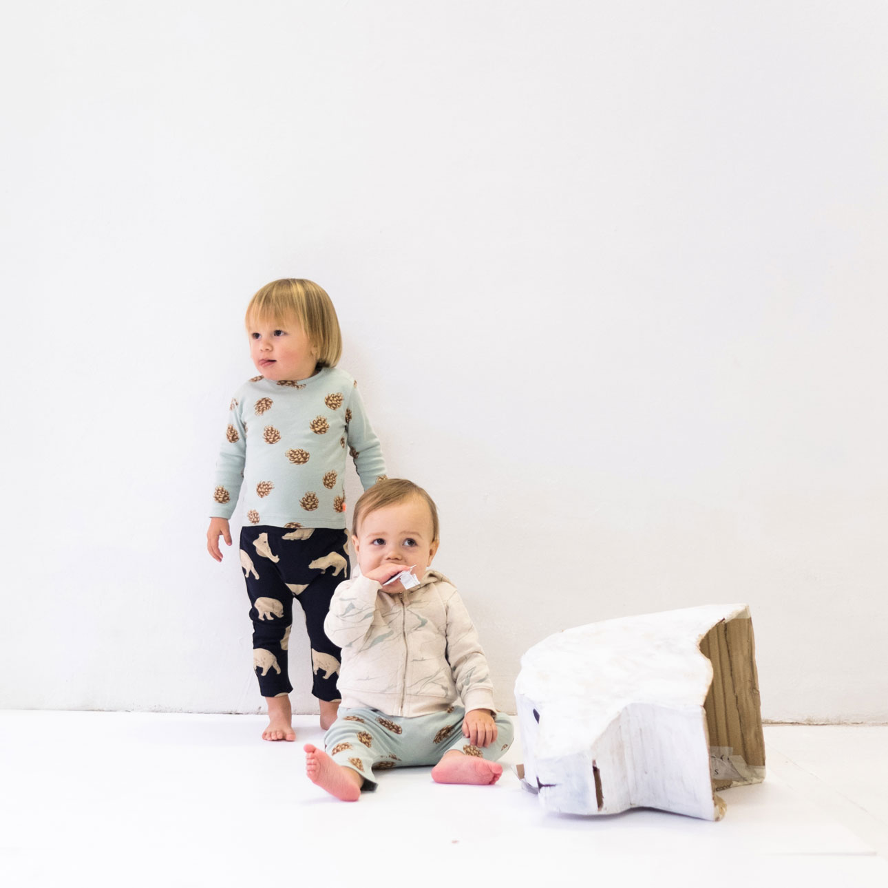 Tiny Cottons aw15 Hibernation winter beren