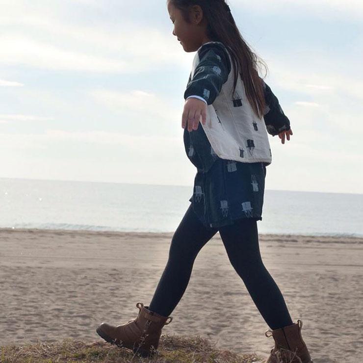 Picnik Barcelona AW15 meisje zee