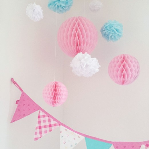 honeycombs pompoms kinderkamer