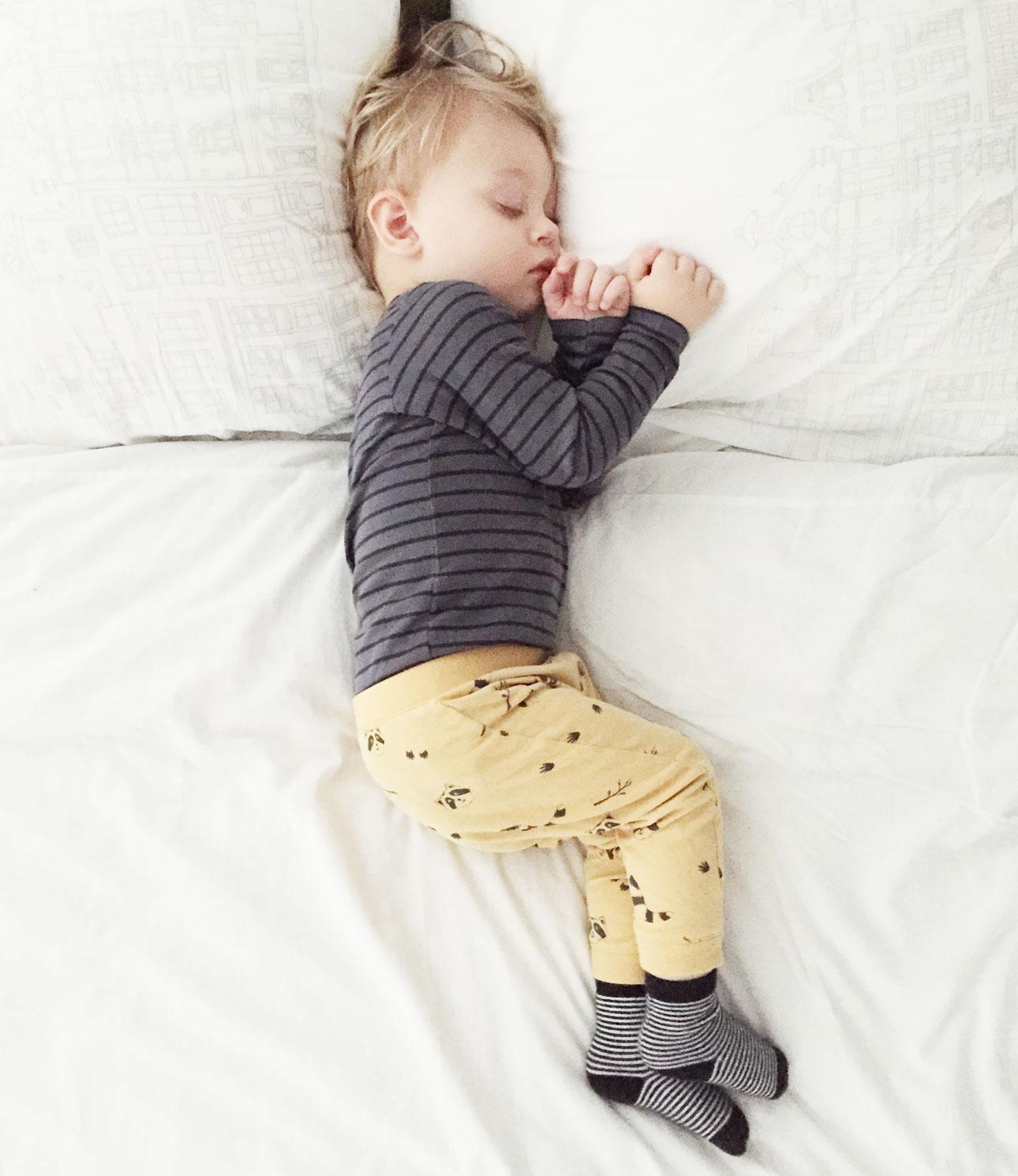 Mamalifestyle oktober 2015 Javian slapen