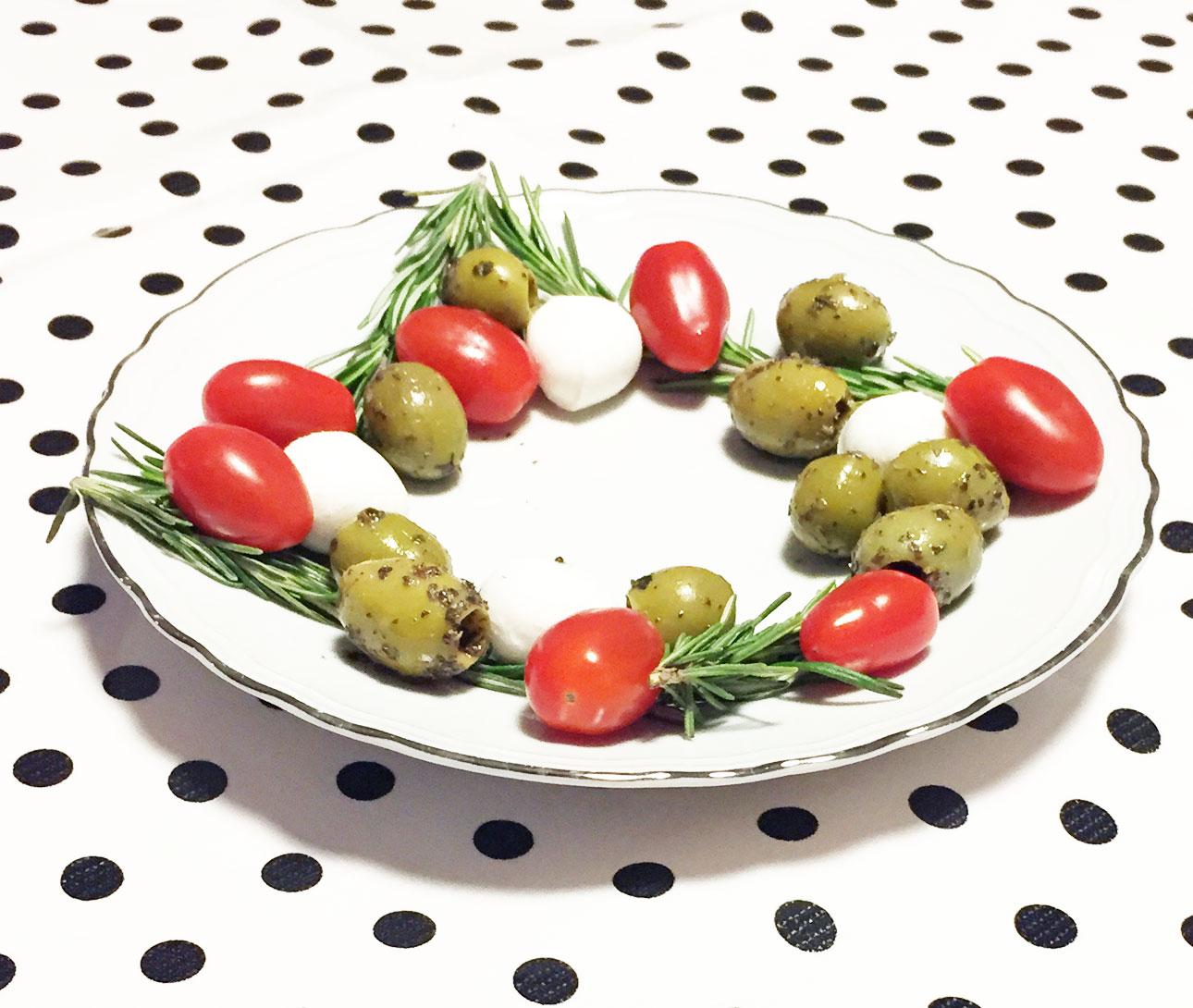 Kerstkrans - olijvenkrans - kerstborrel snack