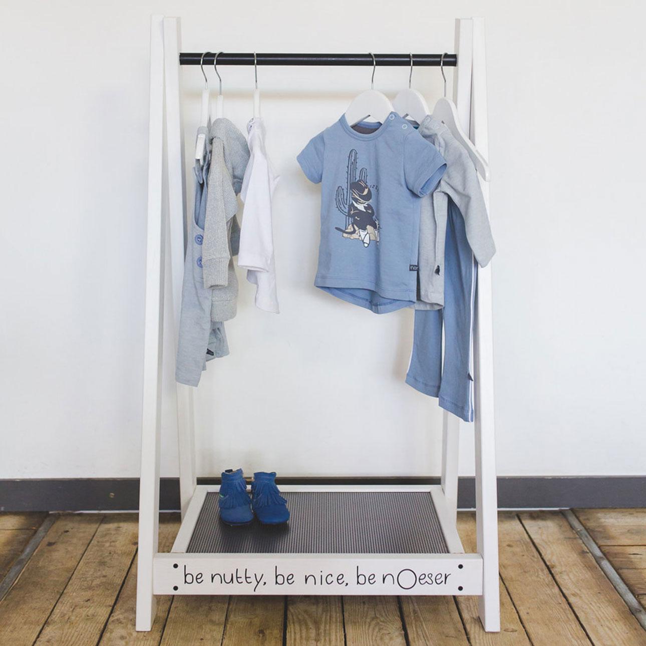 nOeser SS16 kledingrek blauw