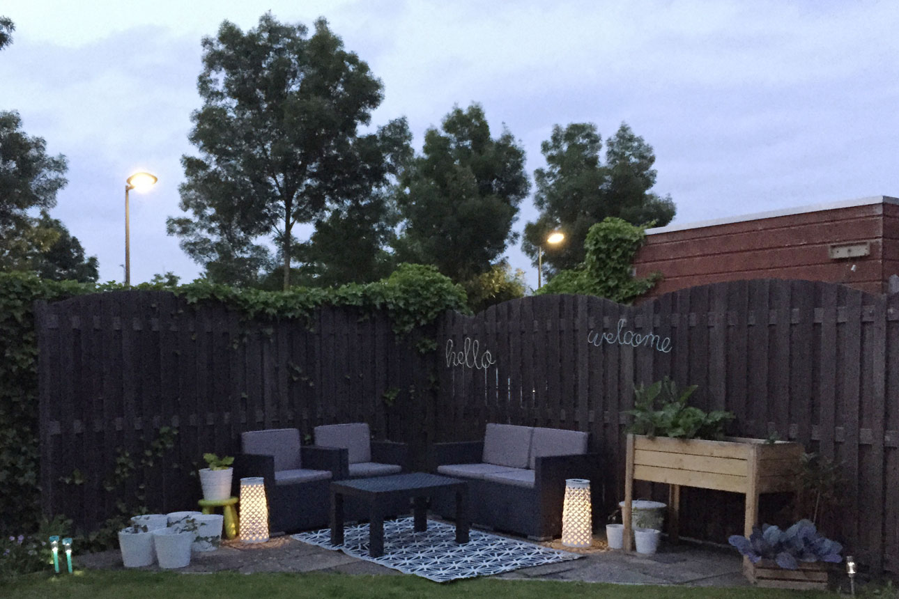 tuin buiten avond