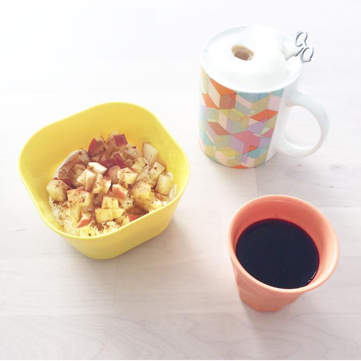 ontbijt appeltaart yoghurt