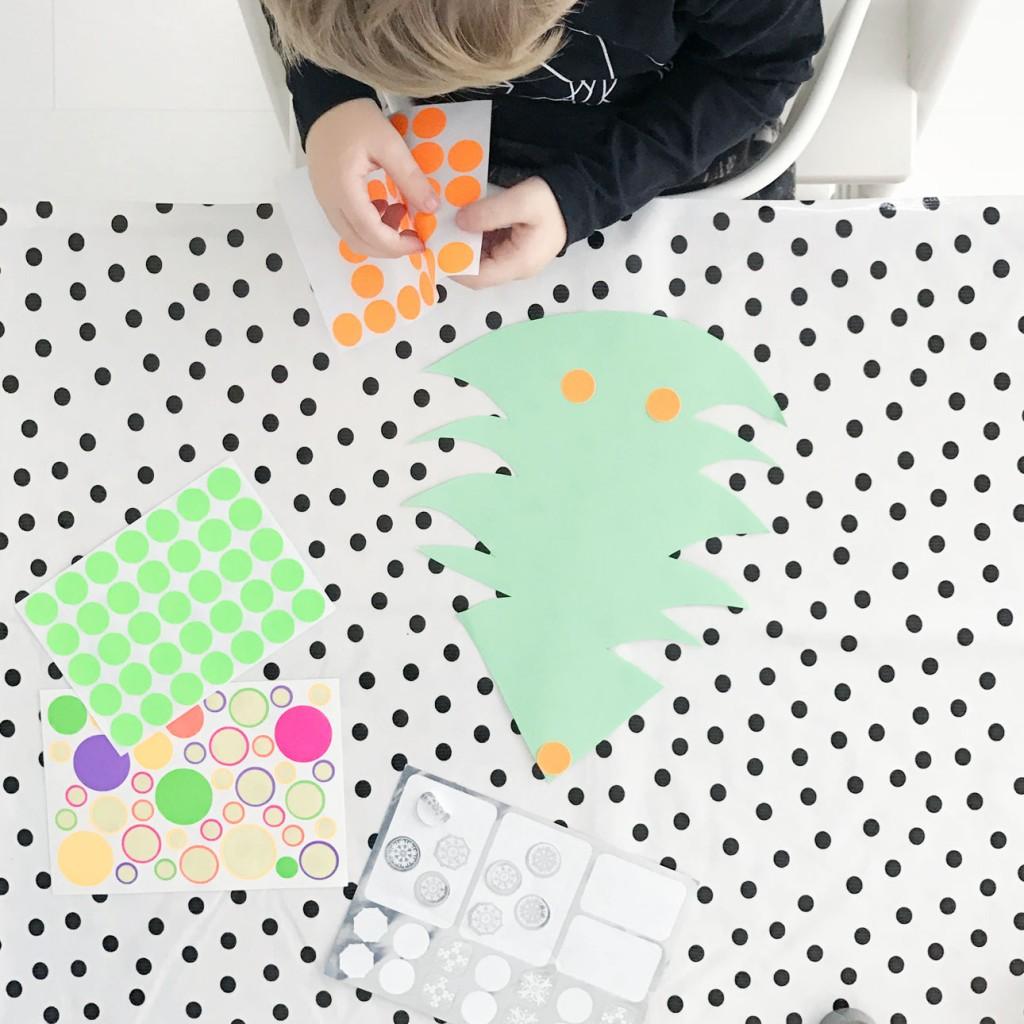 kerstboom stickers versieren