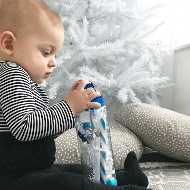 diy christmas sensory bottle spelen senne kerstboom