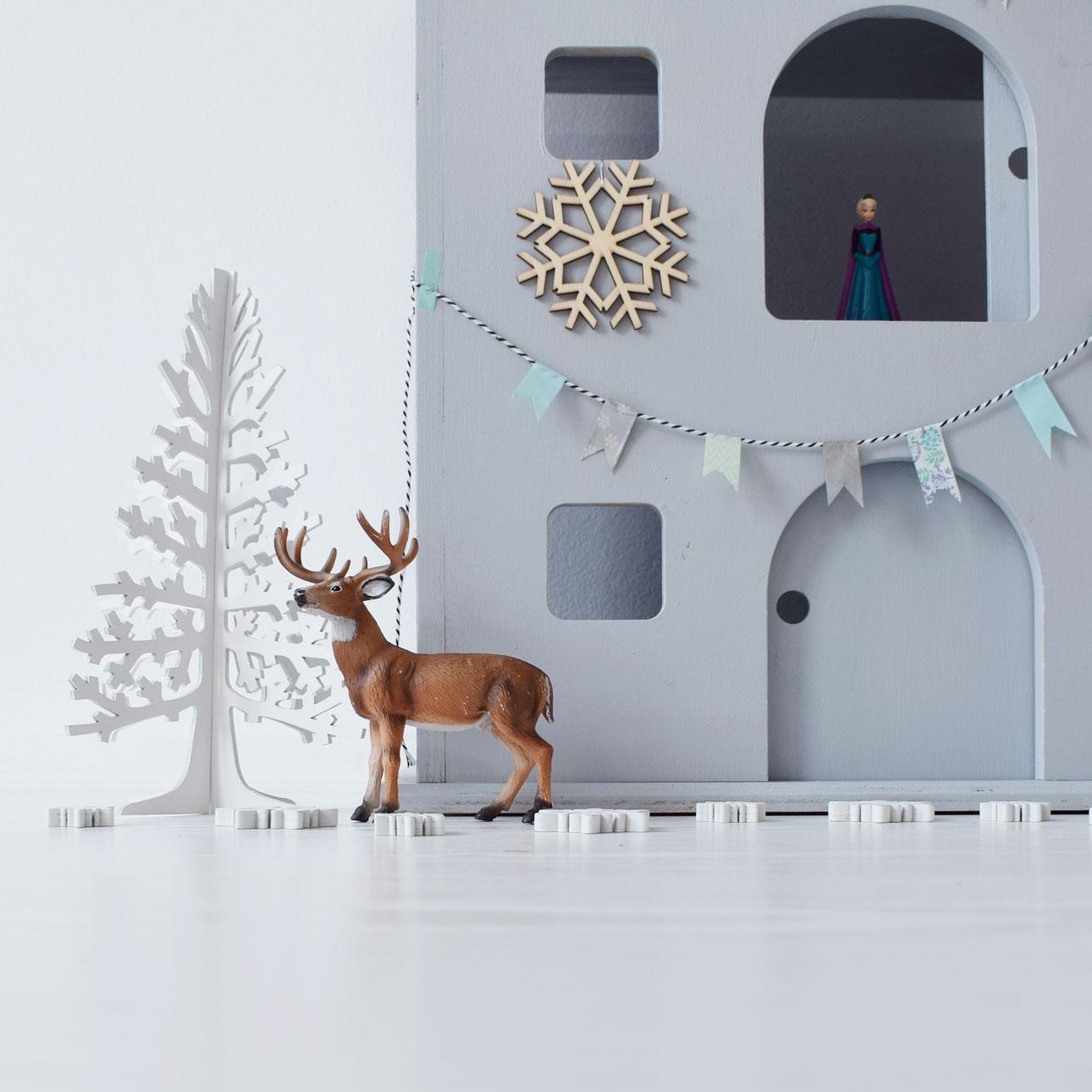houten pakhuis frozen kasteel witte boom rendier