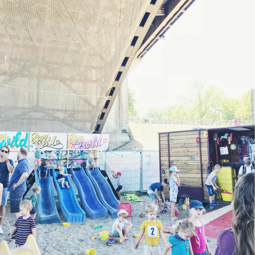 vierdaagse feesten nijmegen de kaaij circusspeeltuin javian zand