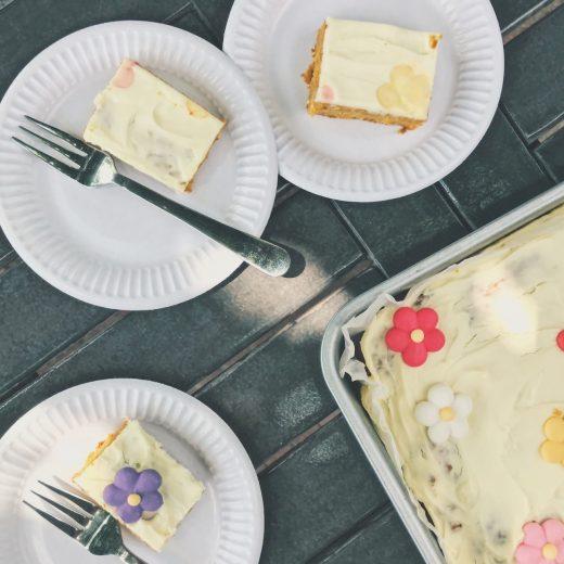 carrot cake met limoen creamcheese