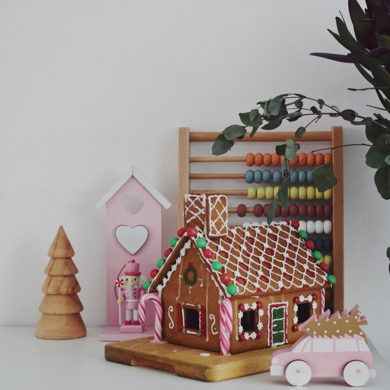 kersthuis 2018 snoephuis roze