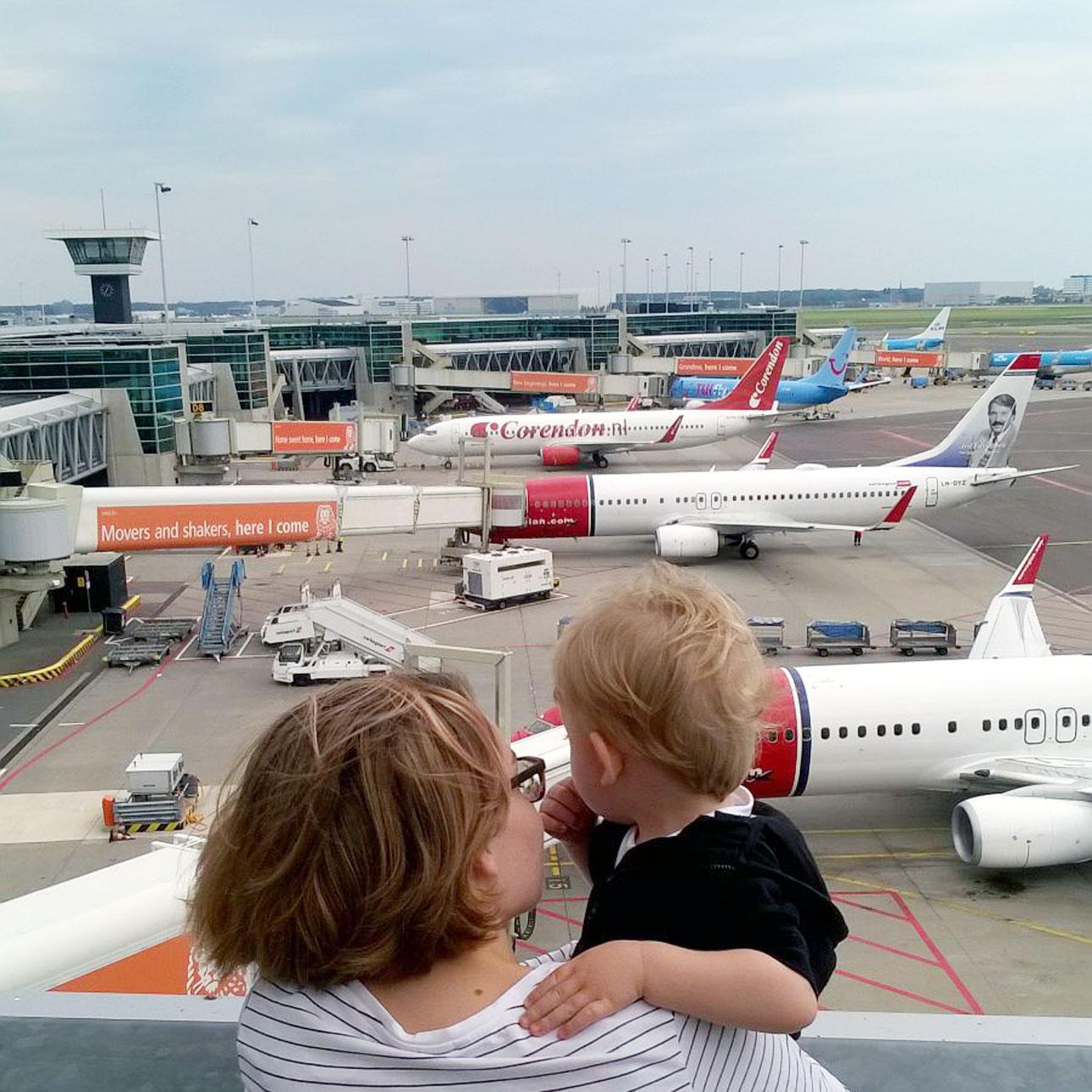 Mamalifestyle Marike augustus 2015 vliegtuigen spotten