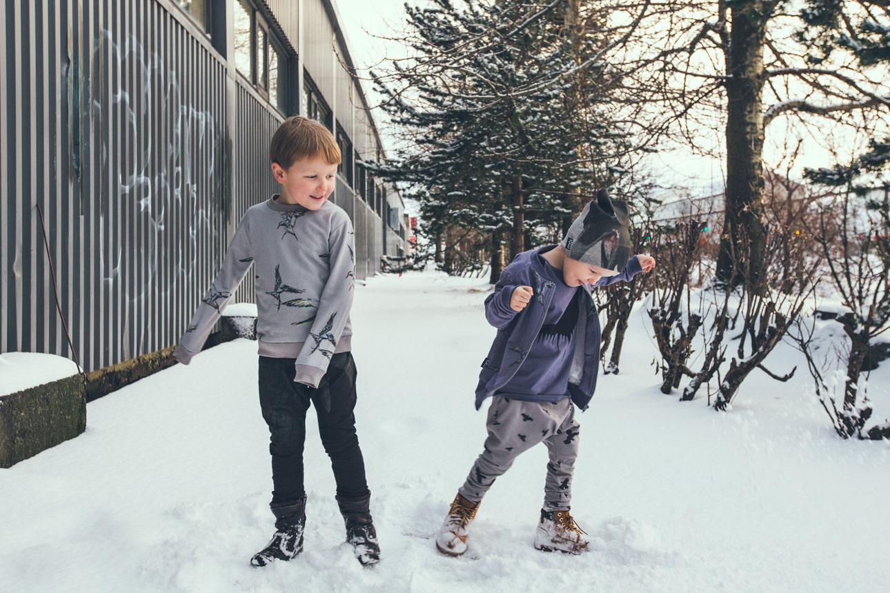 Moi Kidz aw15 buiten sneeuw grijs