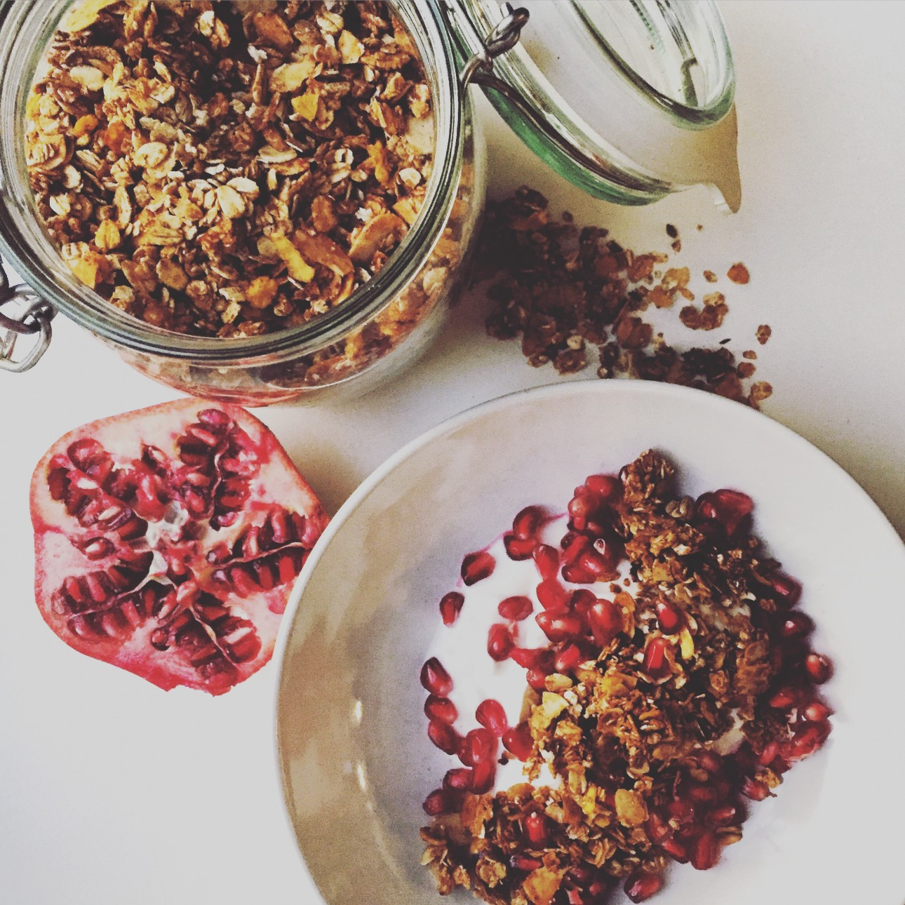 Zelfgemaakte granola - healthy ontbijttips