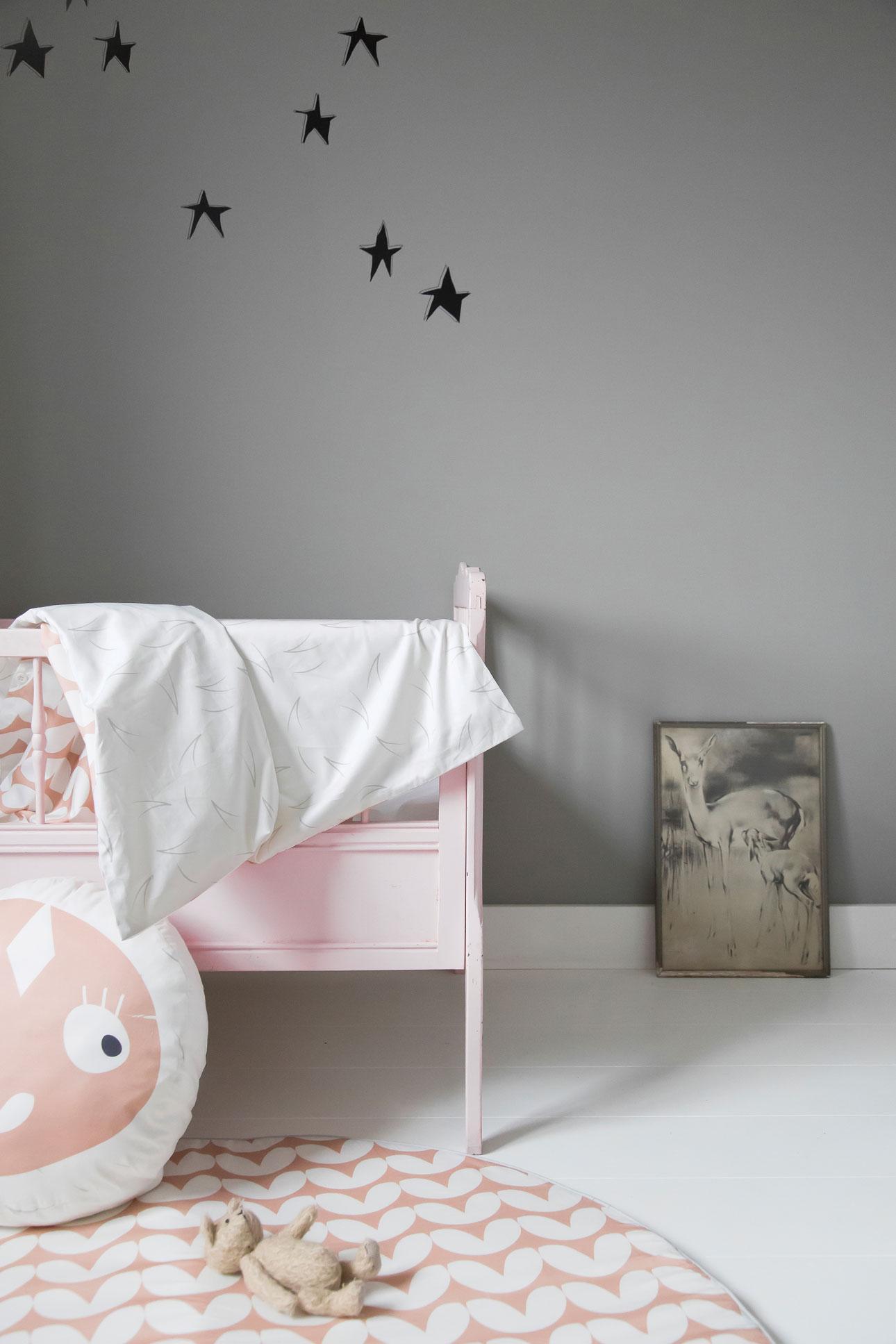 Roomblush mini babykamer roze sterren