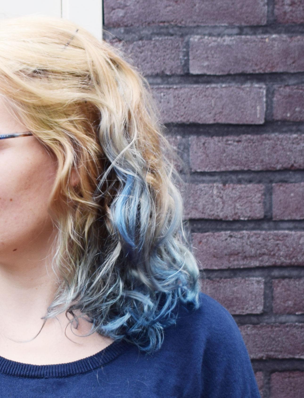 marike bijlsma loreal colorista blue hair closeup