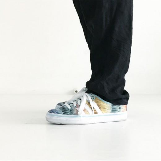 ootd mamalifestyle zwart met kleur adidas