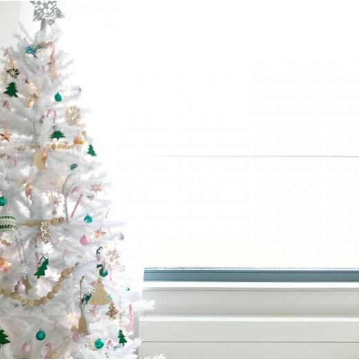 witte kerstboom pastelkleuren kindvriendelijk