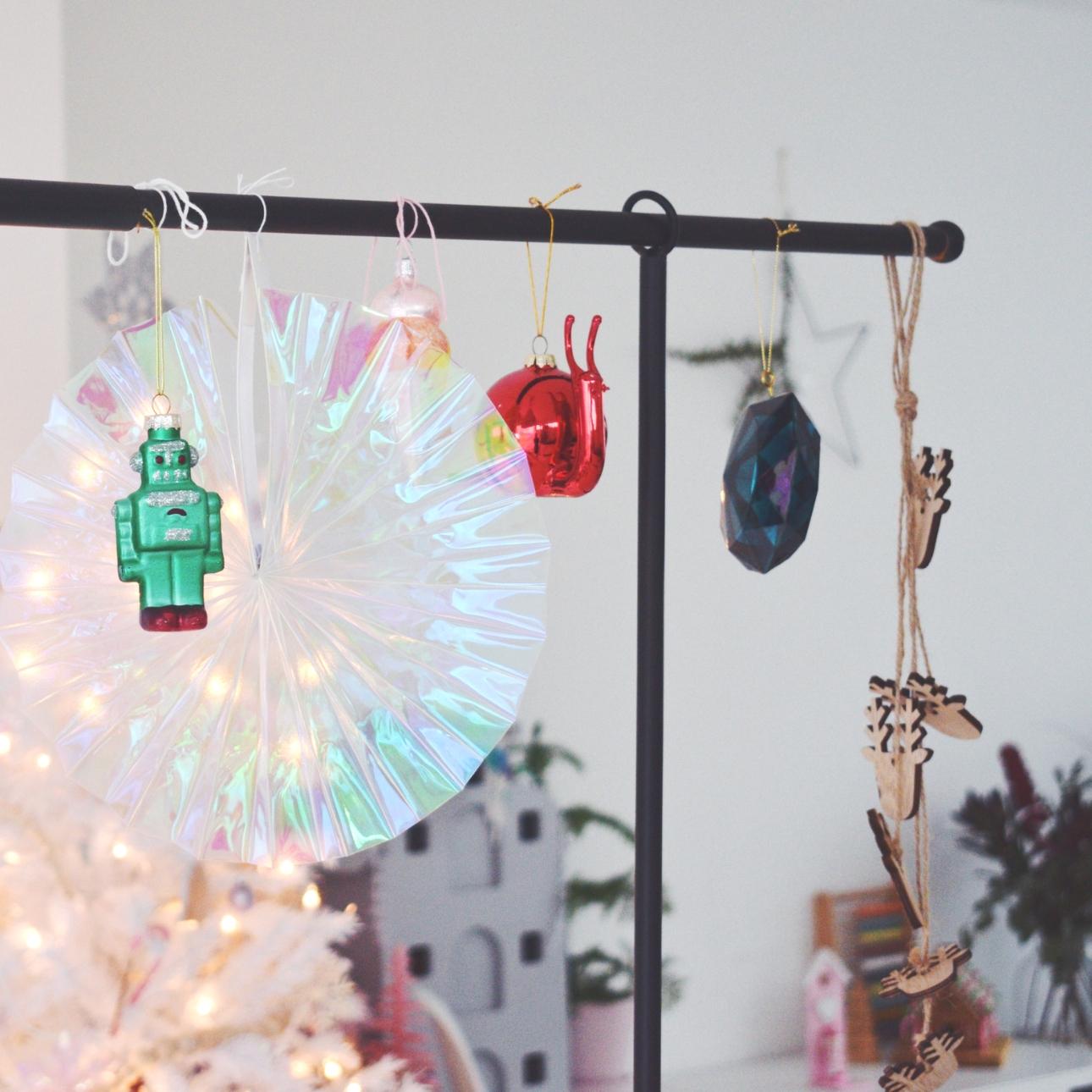 kersthuis 2018 tafelklem bijzondere kerstballen