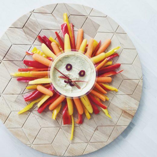 groente leeuw paprika wortel hummus