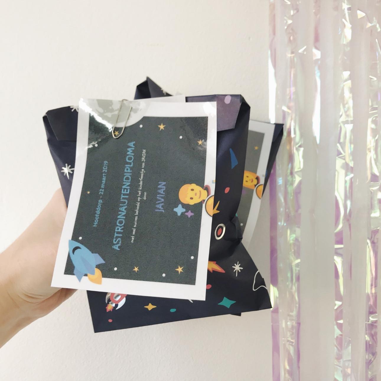 space party kinderfeestje cadeautasje