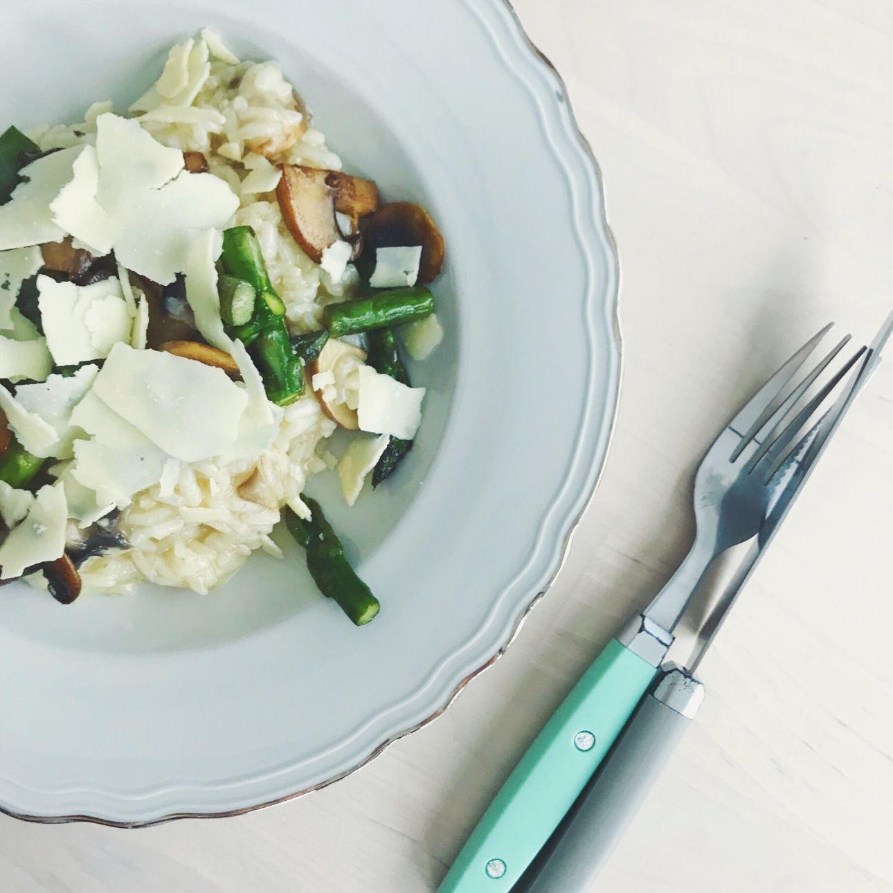 Risotto champignons groene asperges parmezaanse kaas