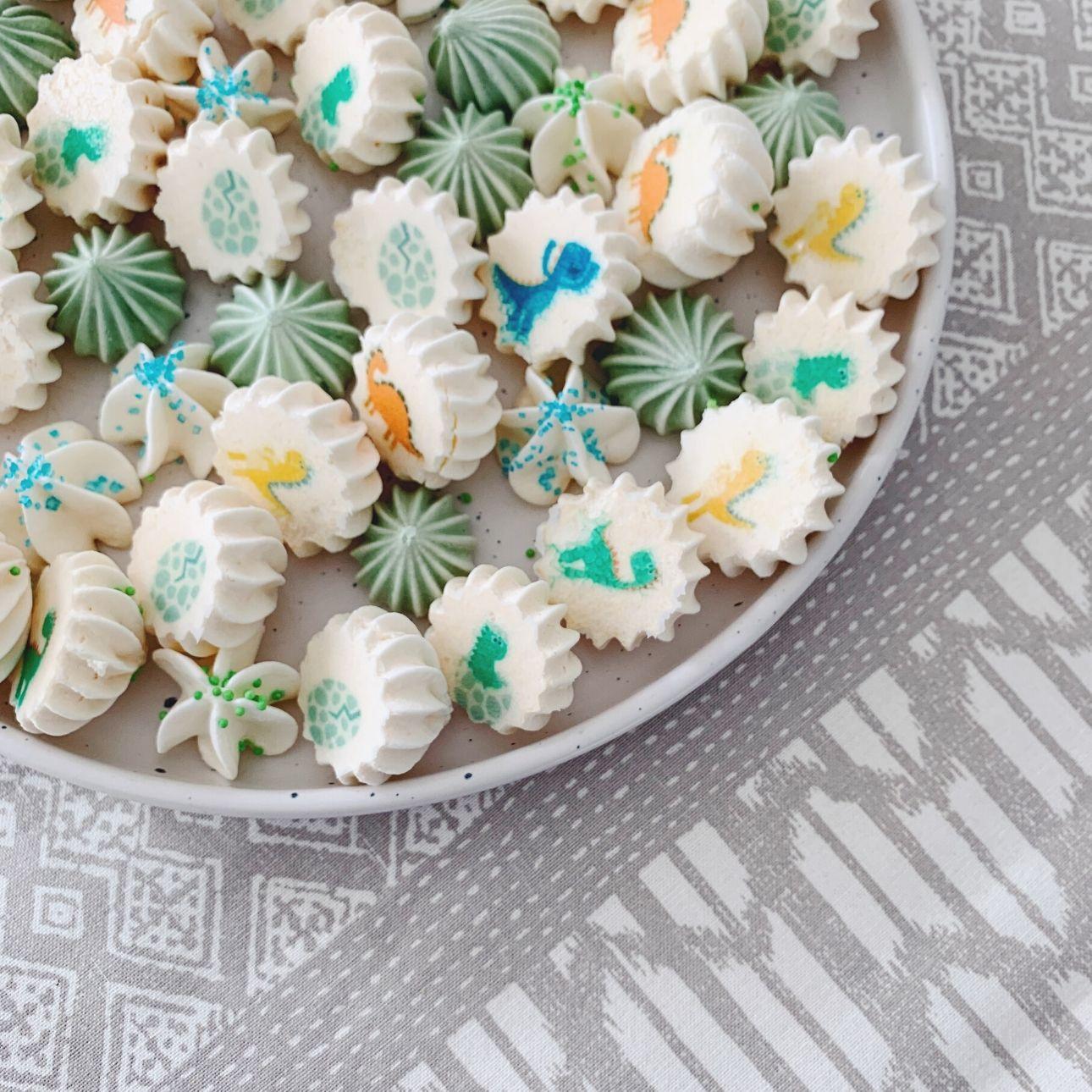 Dino feest dino meringue schuimpjes
