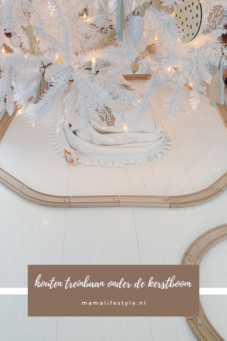 Pinterest - houten treinbaan kerstboom wit (1)
